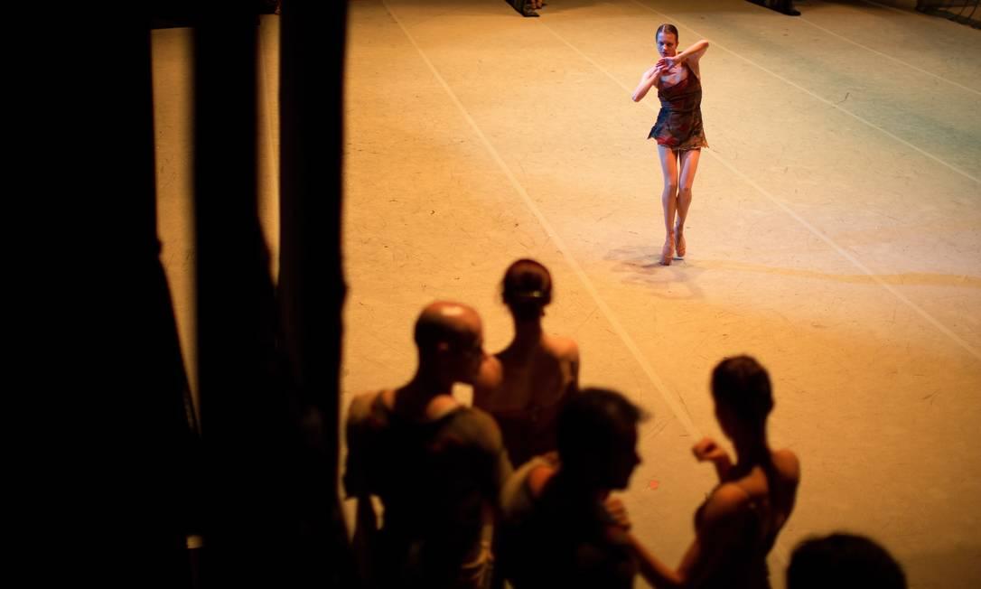 Em 2013, um golpe: o diretor do balé, Sergei Filin, foi atacado com ácido no rosto. O episódio causou a demissão do diretor geral do teatro, Anatoli Iksanov. 'O Bolshoi ainda está se curando de todo o processo', afirma Filin Daniel Marenco / Agência O Globo