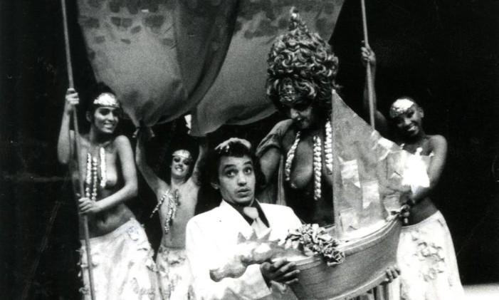 Cena da peça 'Macunaíma' Foto: Agência O Globo