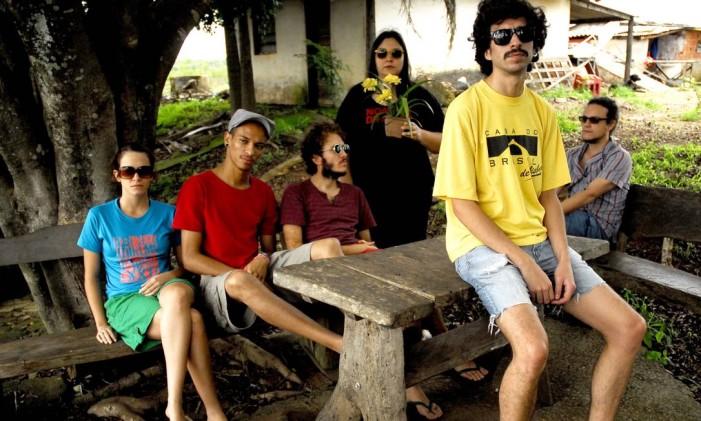 A banda Graveola e o Lixo Polifônico Foto: Flavia Mafra / Agência O Globo