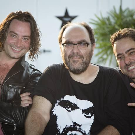 Da esquerda para a direita: Constantine Maroulis, André Abujamra e André Moraes Foto: Leo Martins / Agência O Globo
