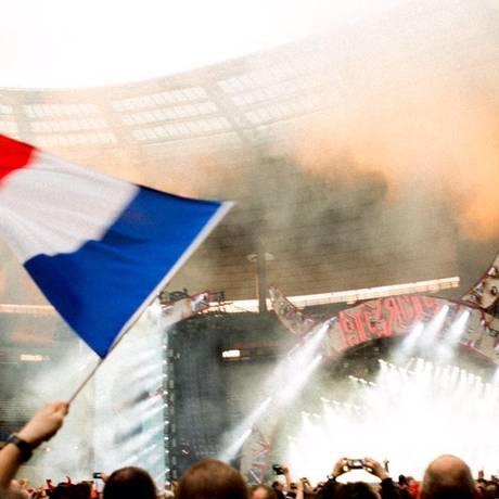 AC/DC prestou homenagem aos fãs franceses no Twitter Foto: Reprodução