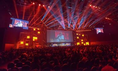 Painel da Netflix durante a Comic Con Experience, em São Paulo Foto: Daniel Deak / Divulgação