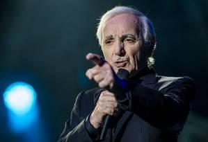 O cantor Charles Aznavour em show de 2016 Foto: Nicolas Aznavour / Divulgação