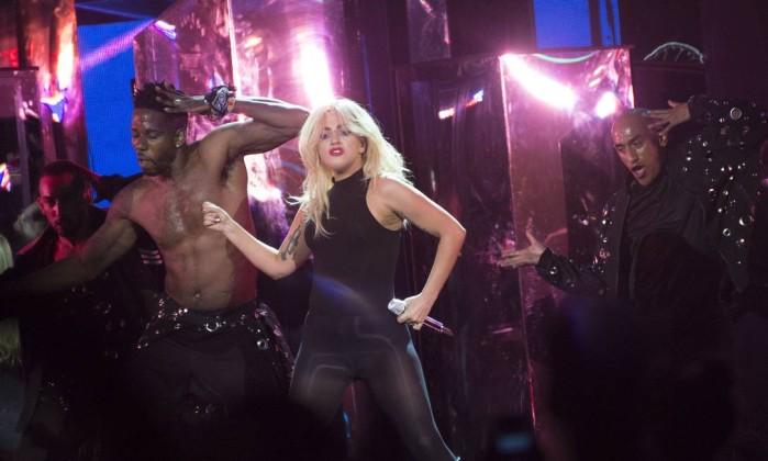 Sem firulas, Lady Gaga antecipa no Coachella show que levará ao RiR