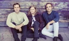 O trio americano de synth pop Future Islands Foto: Tom Hines / Divulgação