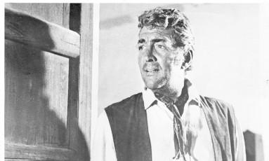 Em ação. Dean Martin no filme 'Os renegados' Foto: Reprodução / Reprodução
