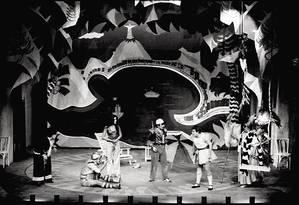 Cena de 'O rei da vela', de Oswald de Andrade, montada pelo Teatro Oficina em 1967 Foto: Divulgação