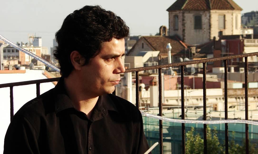 Ao lado de Bernardo Dantas (violão sete cordas), Rodrigo Sebastian (baixo) e Reinaldo Pestana (bateria), Gui Guimarães toca clássicos do samba no Topo do Rio (2233-6393), no Centro. Qua, às 18h. R$ 10. Livre. Foto: Divulgação