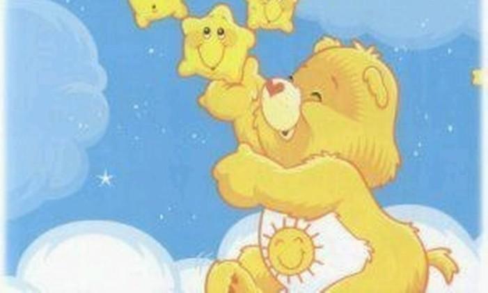 """Nas nuvens, o ursinho """"Divertido"""" brinca com estrelas Foto: reprodução"""