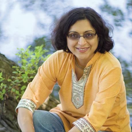 A escritora americana Thrity Umrigar Foto: Divulgação