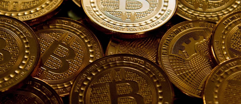 Moedas de Bitcoin Foto: KAREN BLEIER / AFP