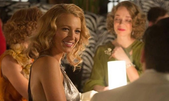 Blake Lively em 'Café Society' Foto: Divulgação