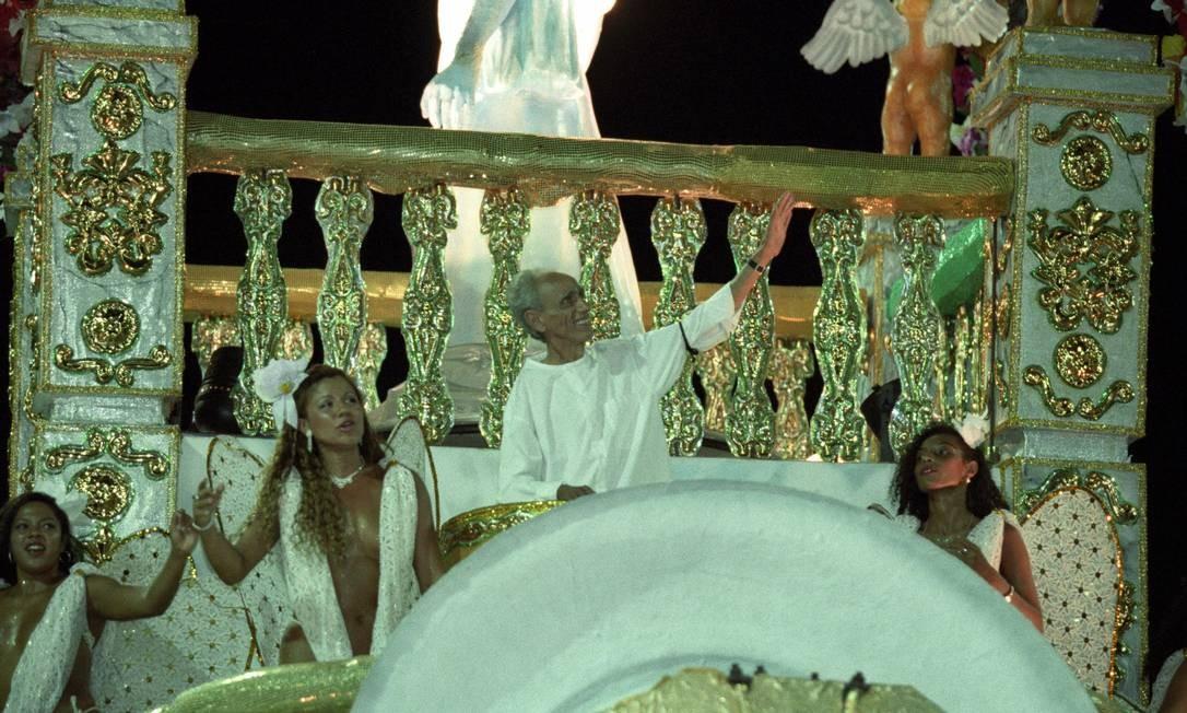 O Império homenageou Betinho, em 1996, um ano e meio antes de sua morte, e emocionou a Avenida, em desfile que falou da fome e dos sem-terra Ivo Gonzalez