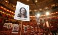 Fotos marcam os lugares dos artistas e celebridades que vão comparecer à cerimônia do Oscar, em 4 de março Foto: DANIEL LEAL-OLIVAS / AFP