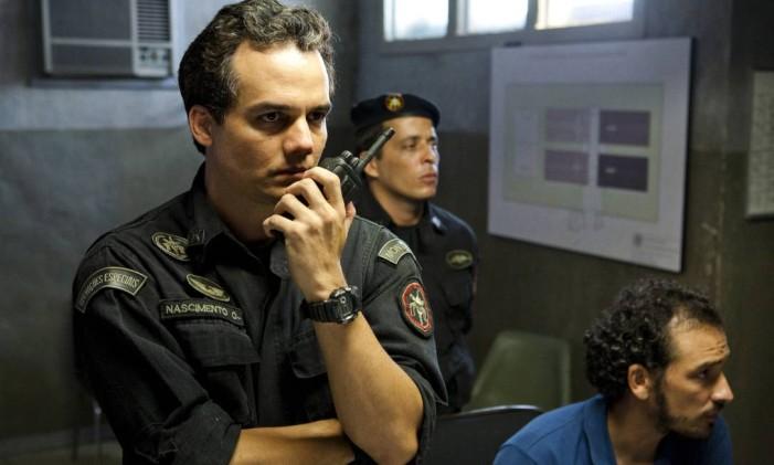 O ator volta a viver o Capitão Nascimento em 'Tropa de elite 2', de 2010 Foto: Divulgação