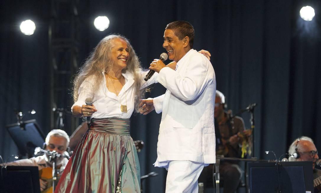 Maria Bethânia e Zeca Pagodinho na estria do show 'De Santo Amaro a Xerém', em Recife Foto: Daniela Nader / Divulgação