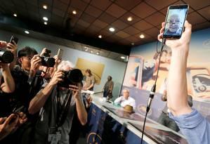 Godard fala com jornalistas via internet no festival de Cannes Foto: REGIS DUVIGNAU / REUTERS