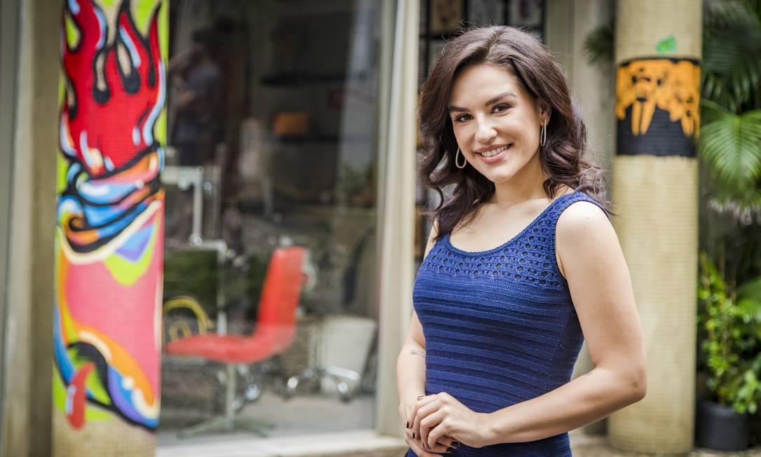 5incominutos, 11,2 milhões de inscritos. Canal da atriz, youtuber, apresentadora, escritora e roteirista curitibana Kéfera Buchmann. Chegou a ser apontada em 2016 pela revista 'Forbes' como uma das jovens mais promissoras do Brasil Foto: PAULO BELOTE