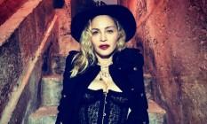 Madonna posa no chafariz da Mãe D'Água, na Praça da Alegria, em Lisboa Foto: Reprodução / Instagram