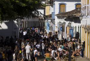 Movimento na cidade na manhã do quarto dia da Festa Literária de Paraty Foto: Márcia Foletto / Agência O Globo