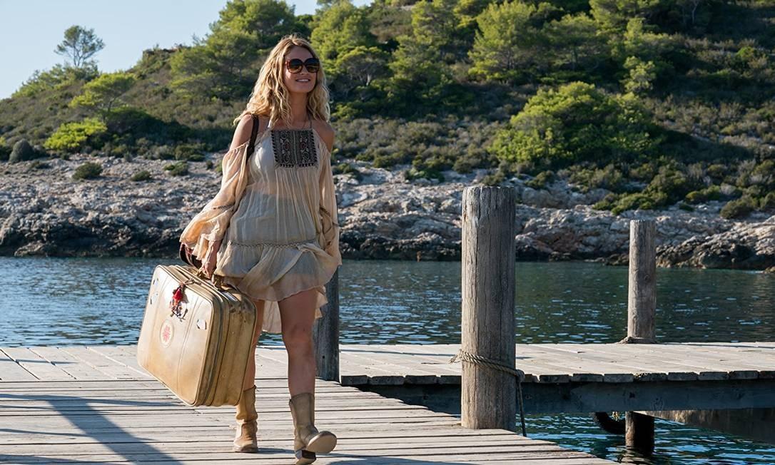 Lily James em 'Mamma mia! Lá vamos nós de novo' Foto: Divulgação