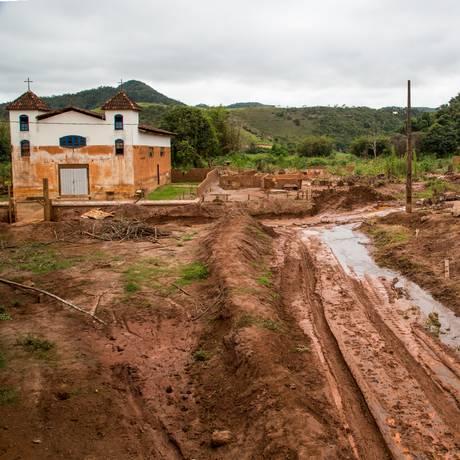 Igreja que resistiu à lama de Mariana, onde foram gravados os depoimentos de 'Vozes de Paracatu e Bento', documentário de Walter Salles Foto: Divulgação