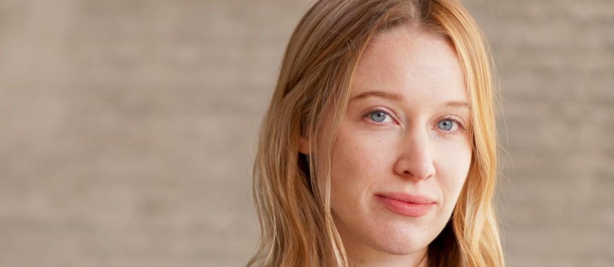 A escritora americana Chloe Benjamin, que lança o livro 'Os imortalistas' Foto: Nathan Jandl / Divulgação