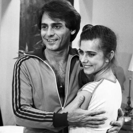 João Paulo Adour ao lado de Maitê Proença na novela 'As Três Marias', em 1980 Foto: Cedoc / TV Globo