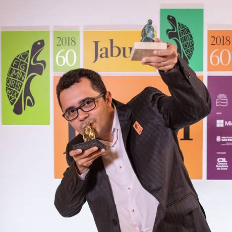 O escritor Mailson Furtado Viana, que ganhou o Jabuti Foto: Divulgação/Estúdio Wtf
