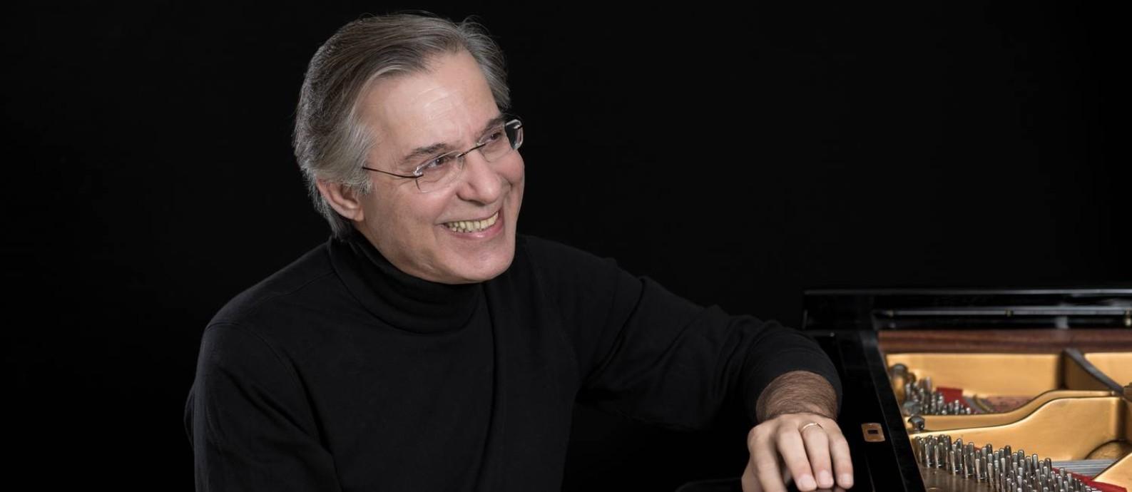 O pianista carioca Arnaldo Cohen Foto: Divulgação / Divulgação