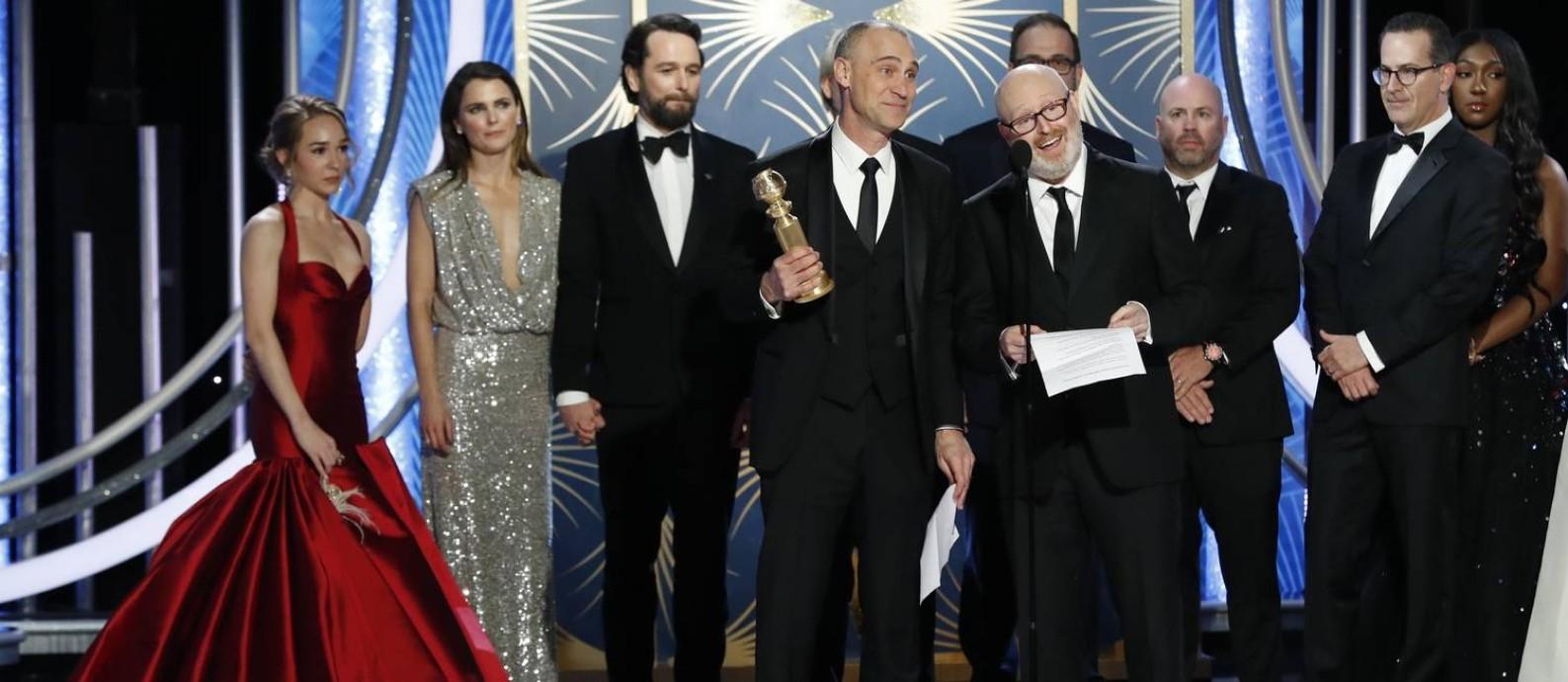 Equipe de 'The americans' recebe o prêmio de melhor série de drama Foto: HANDOUT / REUTERS