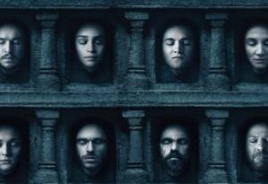 Cartaz da sexta temporada de 'Game of thrones' mostrou rostos de personagens mortos ao lado de quem ainda estava vivo na trama Foto: Divulgação