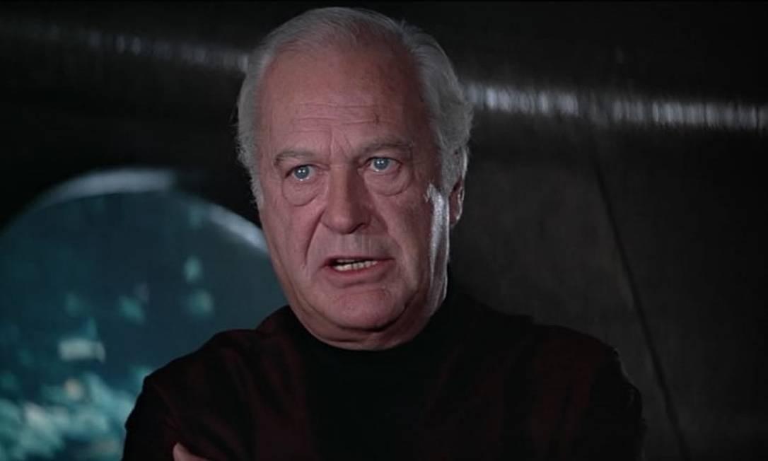 Karl Stromberg - Vilão de 1977. Quer capturar um submarino britânico e outro soviético e dispara um míssil nuclear dos dois, iniciando uma guerra nuclear. Ele é morto com um tiro por Bond, que redireciona os mísseis para que se auto destruam. Foto: Divulgação