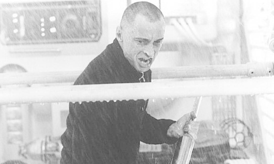 """Victor 'Renard' Zokas - também de """"007 - O Mundo Não é o Bastante"""". É ele quem detona o submarino em Instambul destruindo a cidade e dando a Elektra a ajuda para conquistar o mercado de petróleo. Foto: Divulgação"""