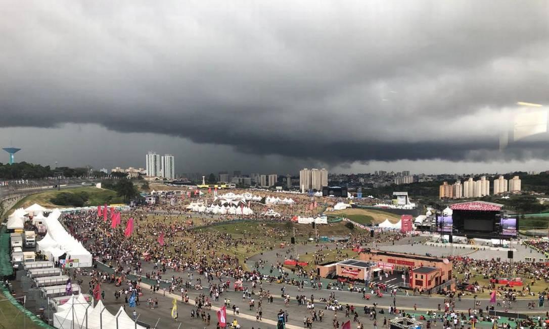 Tempestade se aproxima do Lolla Foto: André Miranda de Souza