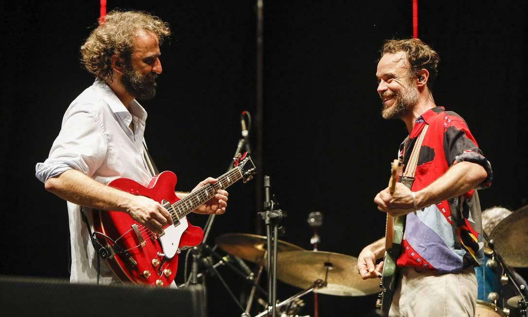 Marcelo Camelo e Rodrigo Amarante, em show dos Los Hermanos no Maracanã Foto: Leo Aversa / Divulgação