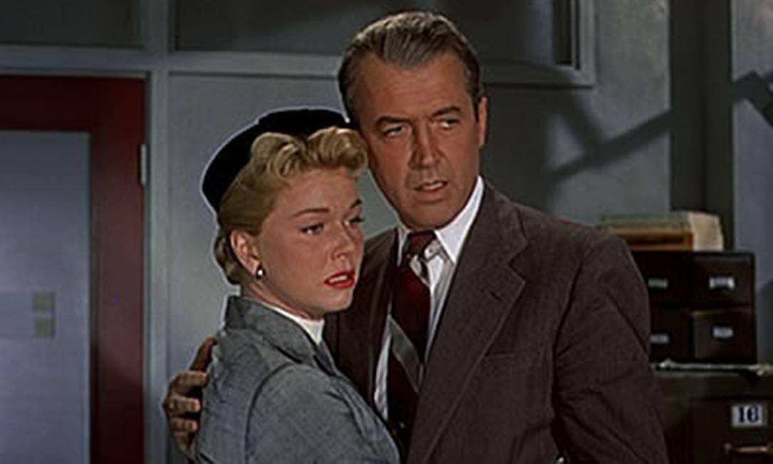 """Nos anos 50, a atriz estrelou comédias, musicais e melodramas, incluindo o thriller de Alfred Hitchcock, """"O homem que sabia demais"""" (1956). Uma das canções do filme, """"Que será, será"""" — com a qual Doris especialmente se identificava — ganhou um Oscar. Foto: Reprodução"""