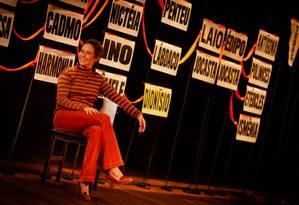 Andrea Beltrão no Teatro Poeira, em Botafogo Foto: Roberto Moreyra / Agência O Globo