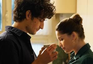 Louis Garrel e Laetitia Casta em cena do filme 'Um homem fiel' Foto: Divulgação