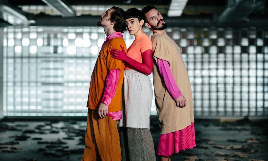 Rafael Lorga, Juliana Linhares e Frederico Demarca, o trio Pietá Foto: Elisa Mendes / Divulgação