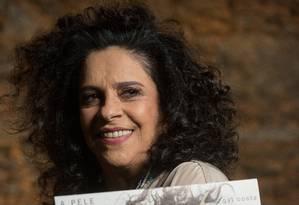 A cantora Gal Costa em entrevista ao programa