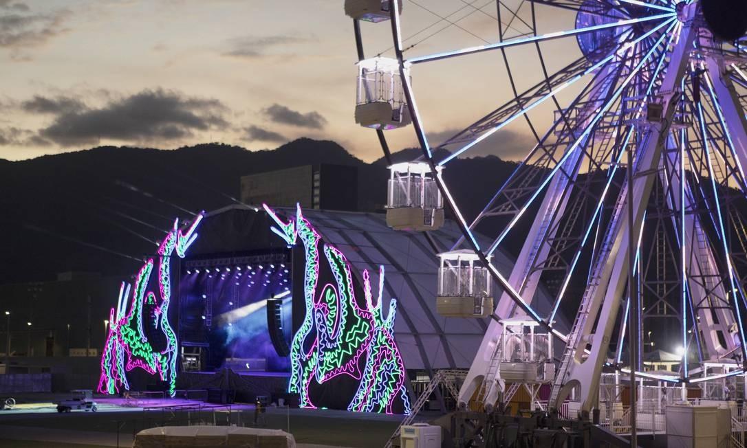 Área externa do Game XP, no Parque Olímpico Foto: GABRIEL MONTEIRO / O Globo