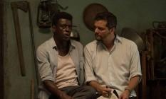 'Marighella': Seu Jorge e o diretor Wagner Moura no set Foto: Divulgação