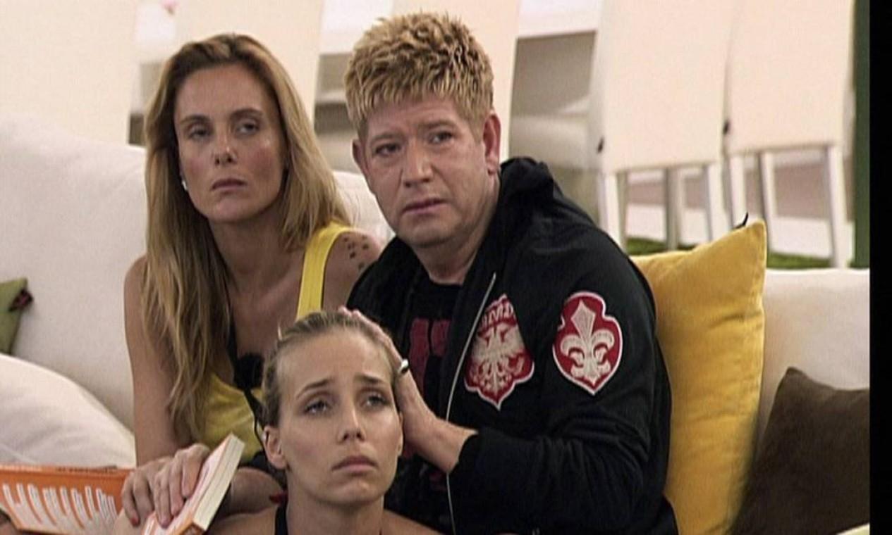 """Roberto Leal em imagem do programa de TV """"Último a sair"""", em 2011 Foto: Divulgação"""