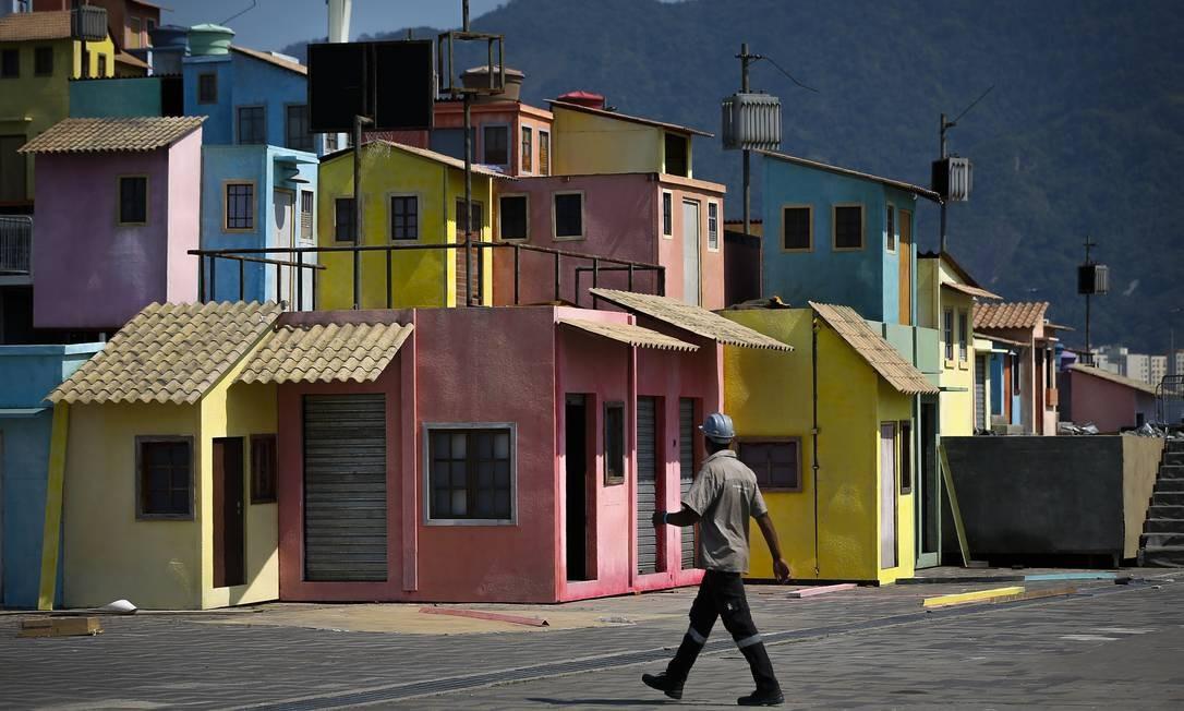 Estrutura remete às comunidades cariocas e abrigará diversas atividades Foto: Pablo Jacob / Agência O Globo
