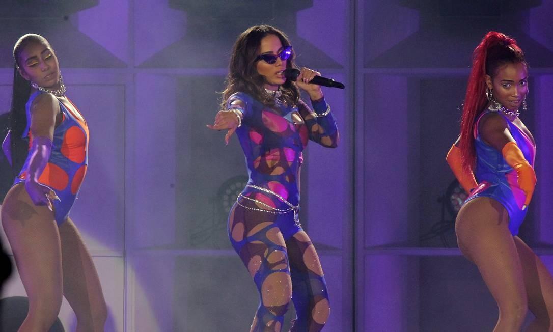 Cantora abriu o show relembrando um de seus maiores sucessos, 'Show das Poderosas' Foto: Marcelo Theobald/Agência O Globo