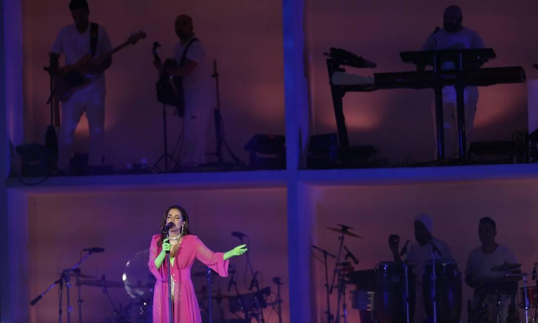 Ao todo a cantora trocou 4 vezes de figurino Foto: Gabriel Monteiro/Agência O Globo