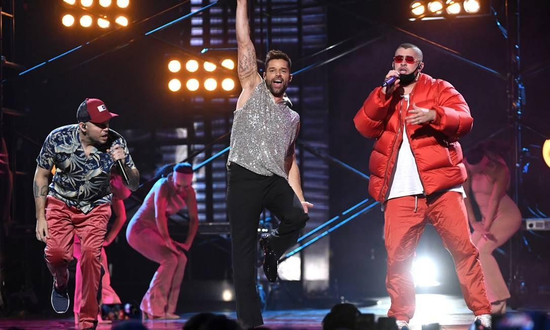 Residente, Ricky Martin e Bad Bunny se apresentam na festa do Grammy Latino, em Las Vegas Foto: Divulgação/Kevin Winter/Getty Images for LARAS