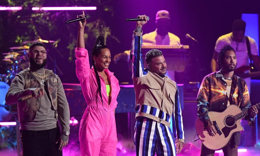 Farruko, Alicia Keys, Pedro Capo e Miguel se apresentam na cerimônia do Grammy Latino em Las Vegas Foto: VALERIE MACON / AFP