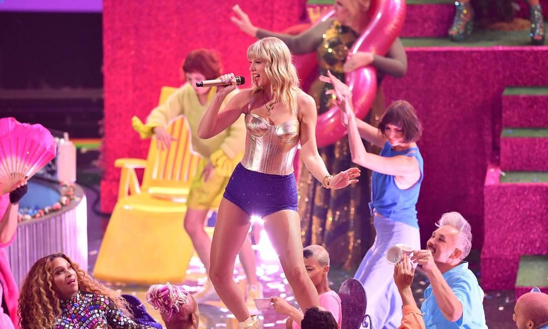 Taylor Swift em show no MTV Video Music Awards, em 26 de agosto Foto: ANGELA WEISS / AFP